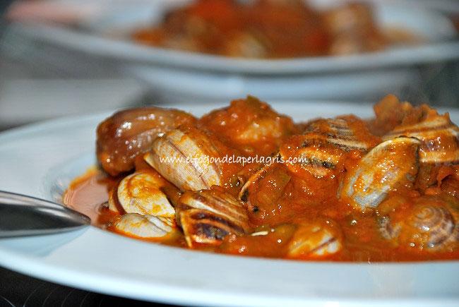 Cabrillas en salsa de tomate