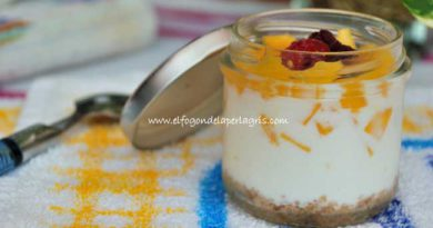 Yogur con mango natural y frutos del bosque