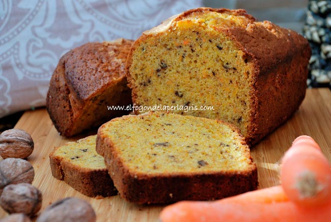 Carrots and nuts plumcake